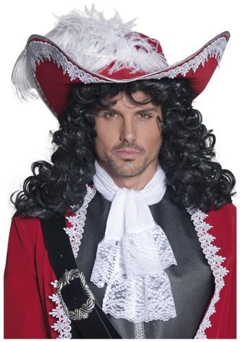 Sombrero de pirata rojo con plumas