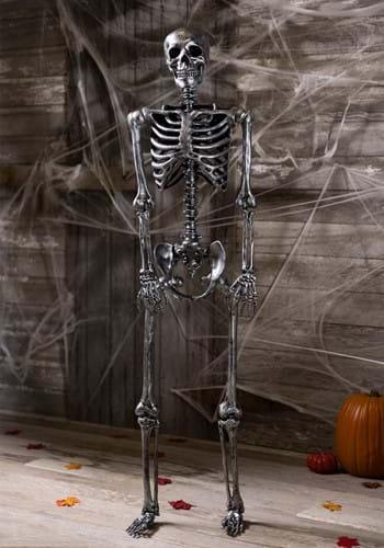 Esqueleto negro de tamaño natural