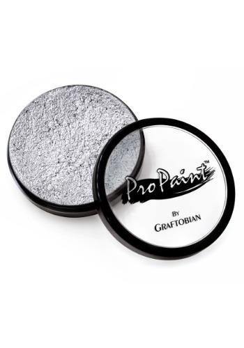 Maquillaje de lujo en color plata