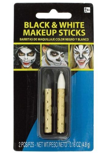 Palos de maquillaje blanco y negro