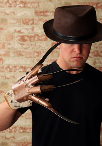 Réplica de guante de Freddy Krueger